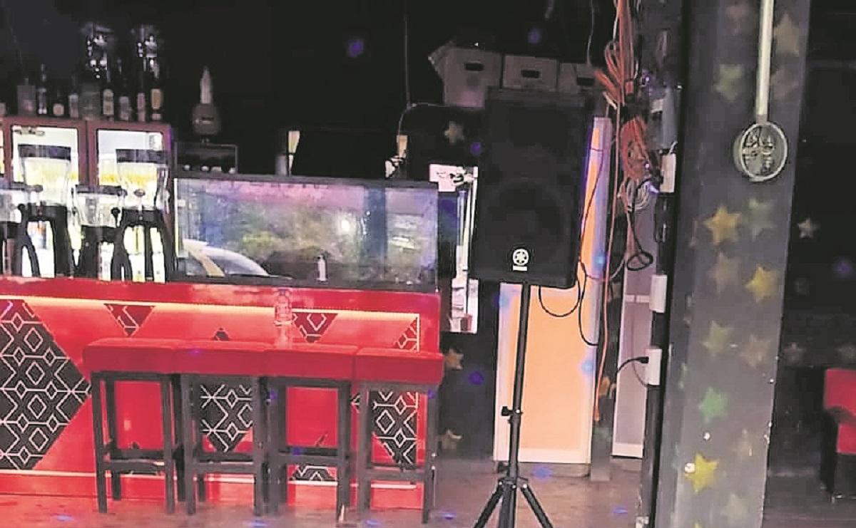 Acribillados a 'El Panda' y 'El Pollo' cuando echaban chela en un bar, en Morelos