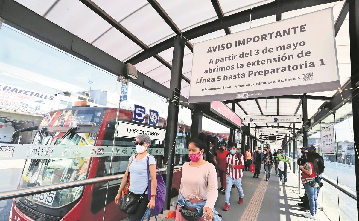 Con pagos dobles y desconcierto, inicio operaciones la Línea 5 del Metrobús en CDMX