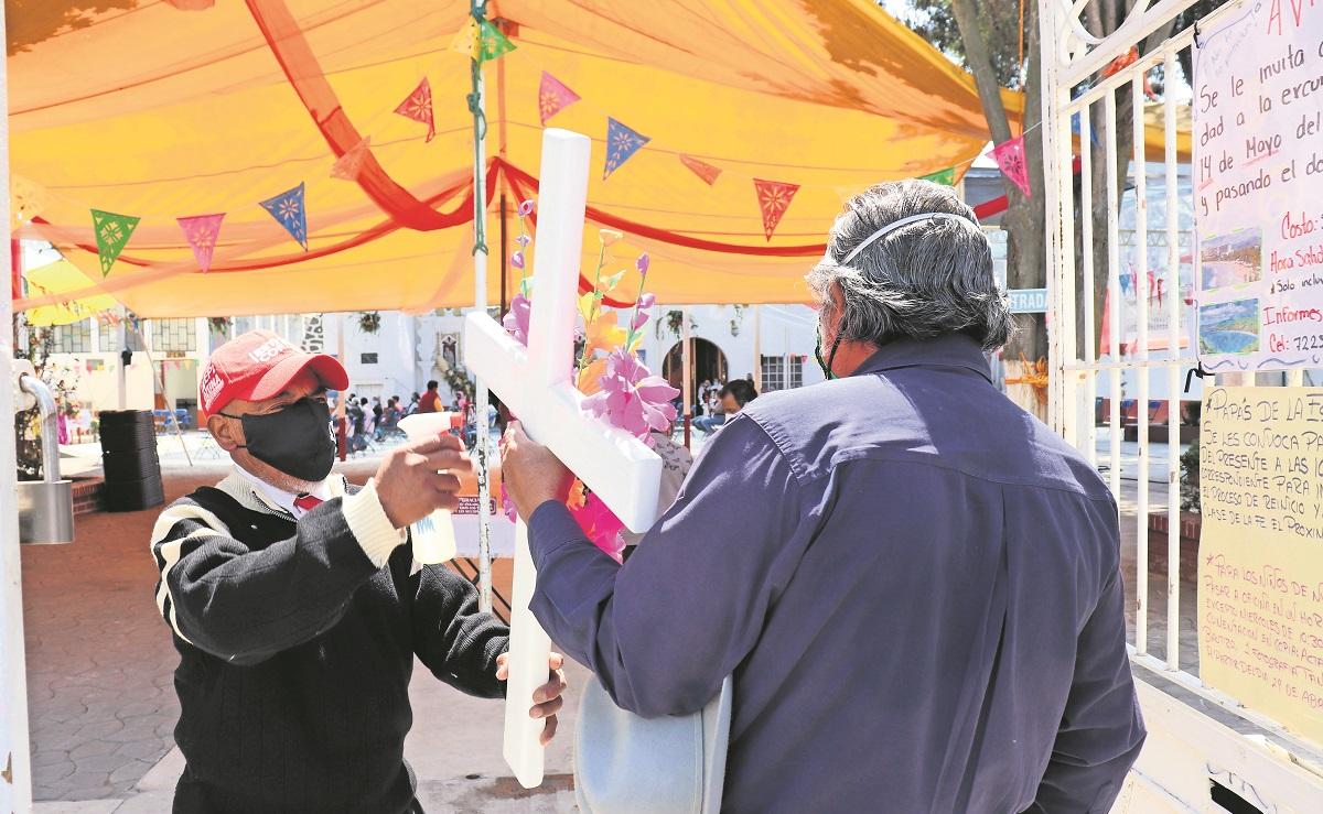 Por segundo año consecutivo, albañiles celebran sin fiesta el Día de la Cruz en Edomex