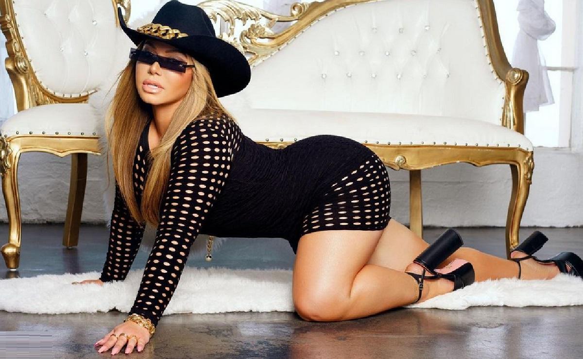 Con un sensual baile, 'Chiquis' Rivera presume a fans su nueva cinturita y vientre plano