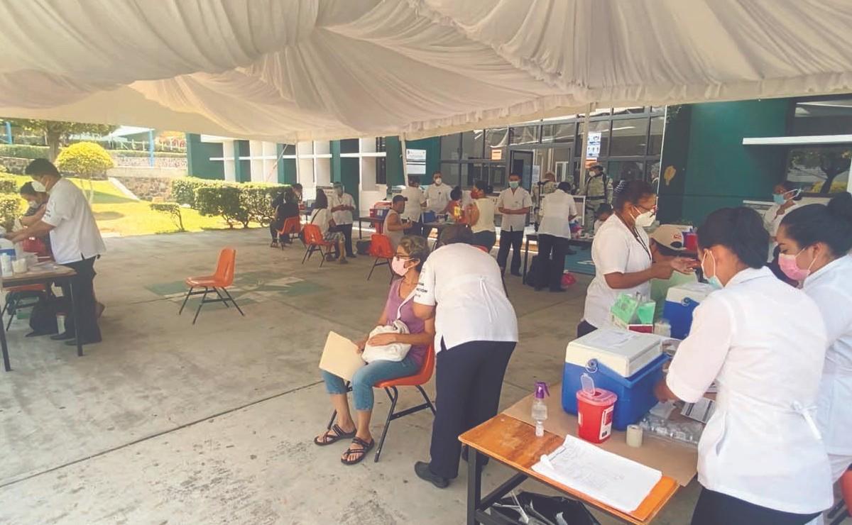 Profesores reciben su vacuna antiCovid en Morelos, se dicen listos para volver a las aulas