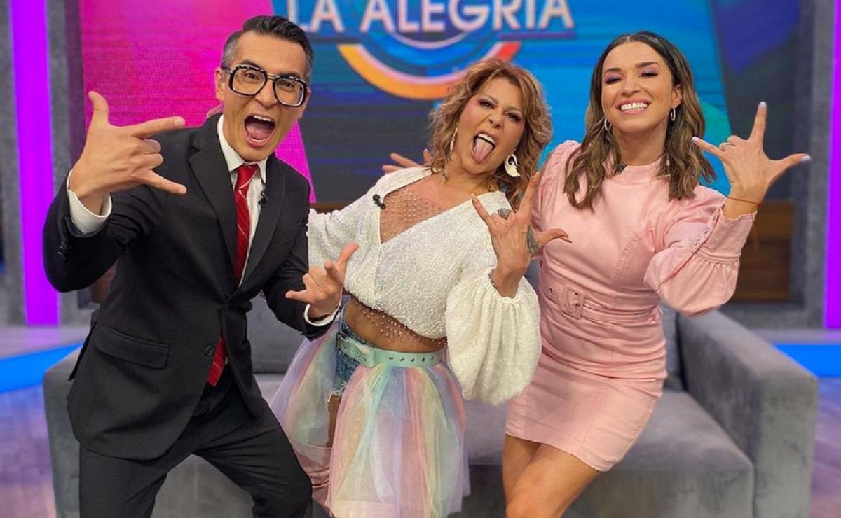 """Alejandra Guzmán reaparece en 'VLA' y asegura que dará """"vuelta a toda la porquería"""""""