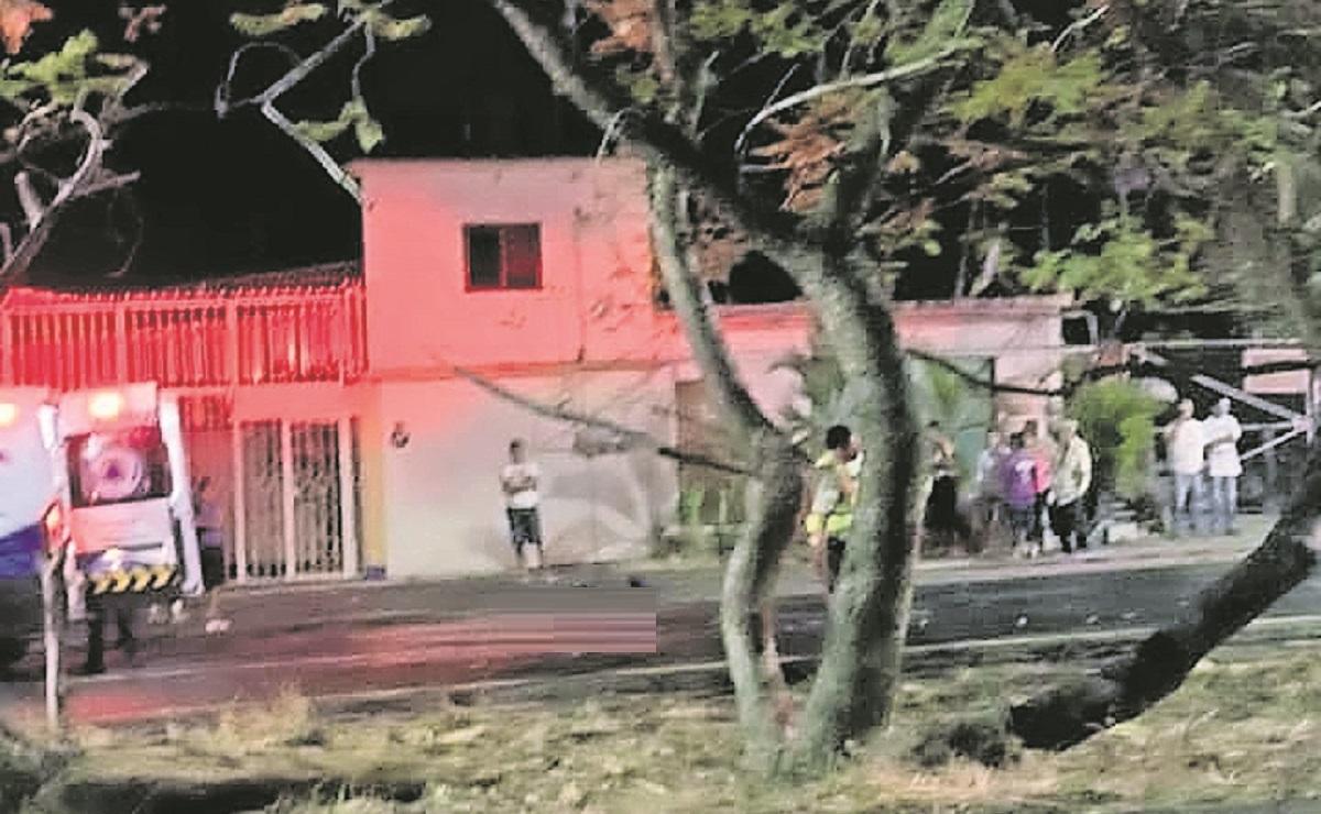 Mujer motociclista pierde la vida luego de ser impactada por un automóvil en Morelos