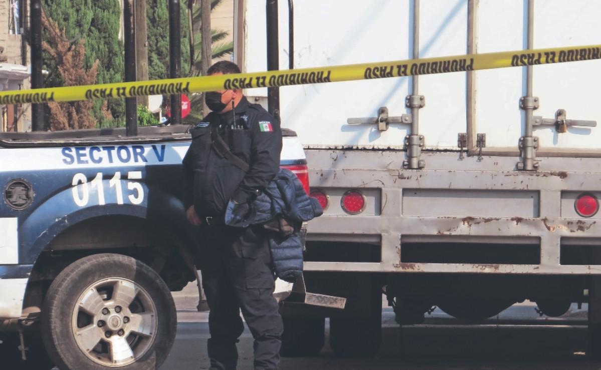 Asesinan a mujer de un balazo en la cabeza en Edomex, paramédicos notaron olor a licor