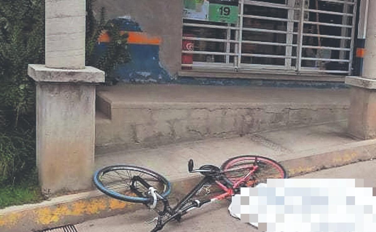 Pierde equilibrio y la vida tras pasar un tope en su bicicleta, en el Edomex