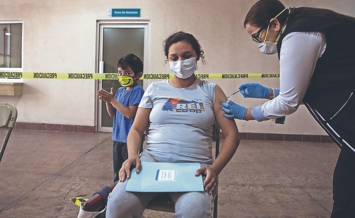 Así será el proceso de vacunación anti Covid para mujeres embarazadas en México