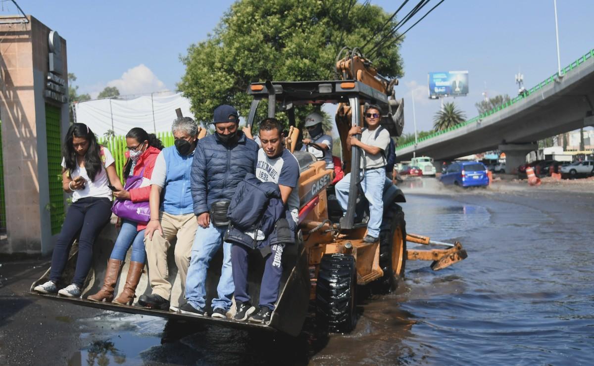 Tubería se rompe e inunda Periférico, colonias de Iztapalapa y Tláhuac se quedan sin agua