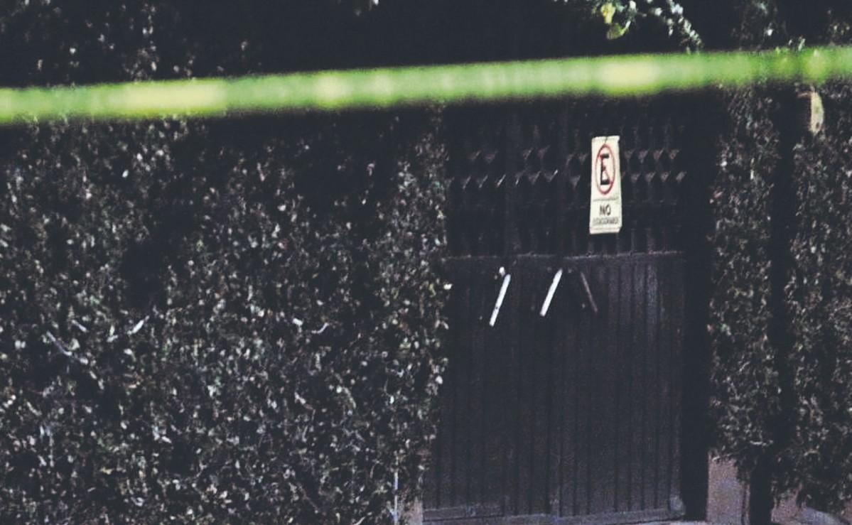 """Ejecutan de al menos 20 balazos a dos hombres afuera del bar """"Pimienta y Sal"""", en Morelos"""