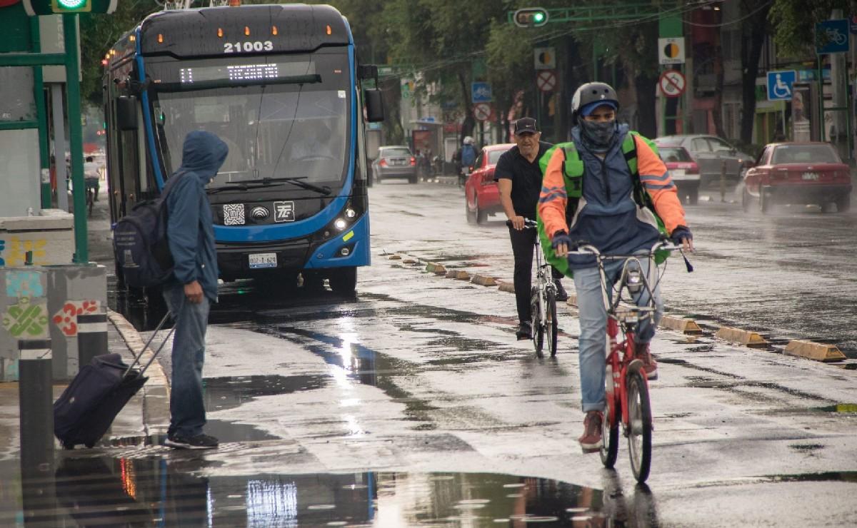 Llueve en gran parte de la Ciudad de México; activan alerta amarilla y se espera granizo
