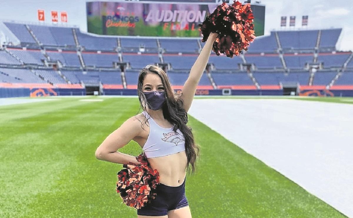 Ella es Daniela Zubia, la porrista mexicana de los Broncos de Denver de la NFL