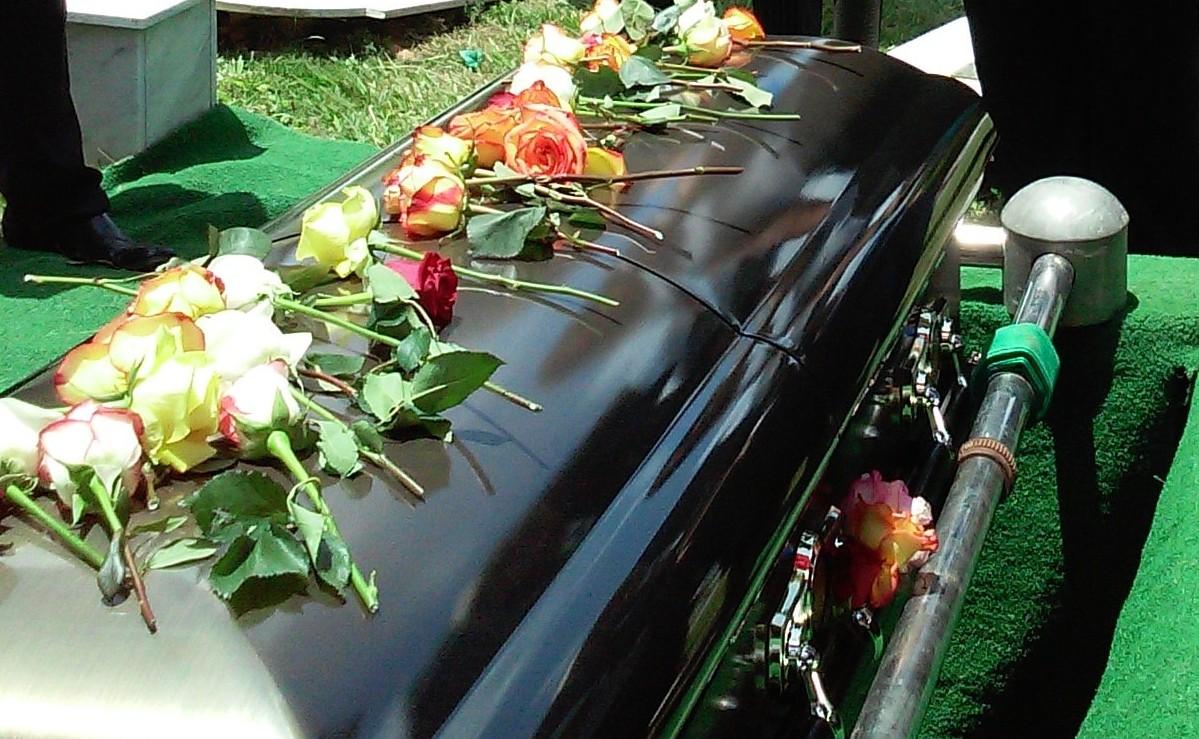 Mientras velaba a su marido, mujer y su hija son asesinadas por la ex del difunto, Edomex