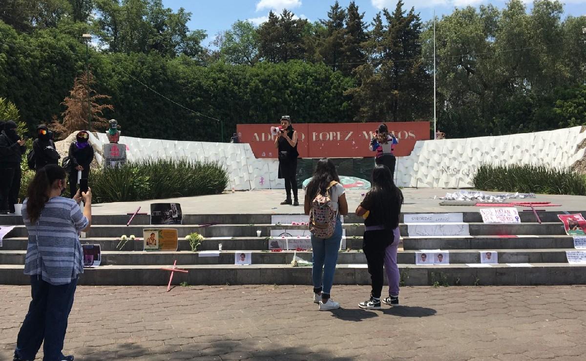 Colocan velas y flores en nombre de las víctimas del feminicida serial de Atizapán