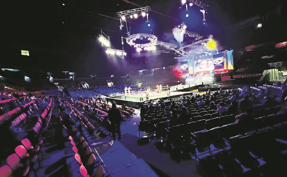 Luchadores vibran con el regreso de la afición a la Arena México