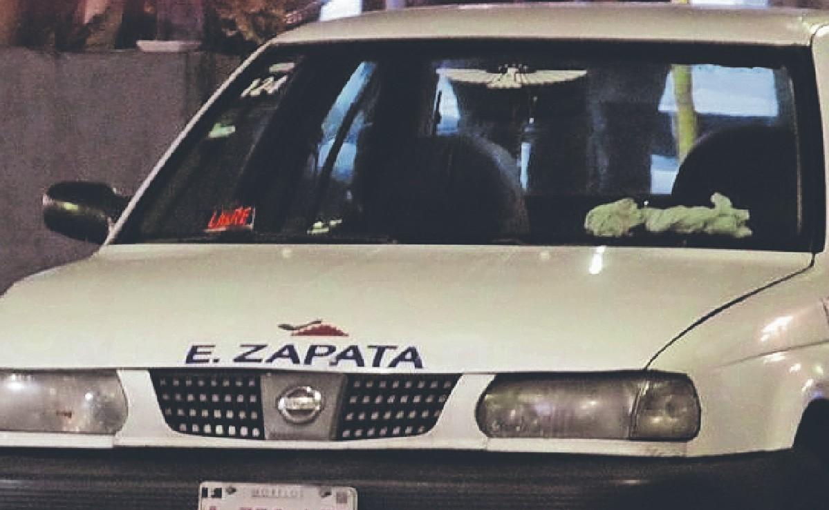 Abuelito taxista plancha a borracho que quería cruzar la avenida, en Morelos