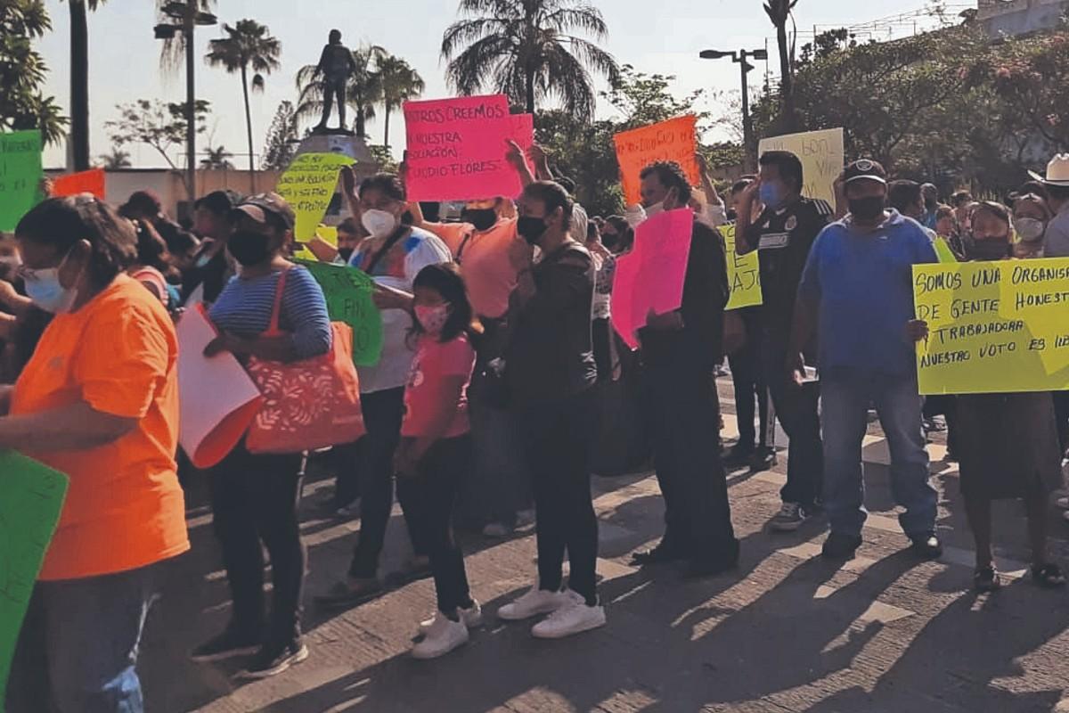 Comerciantes amenazan con hacer justicia por su propia mano ante extorsiones, en Morelos