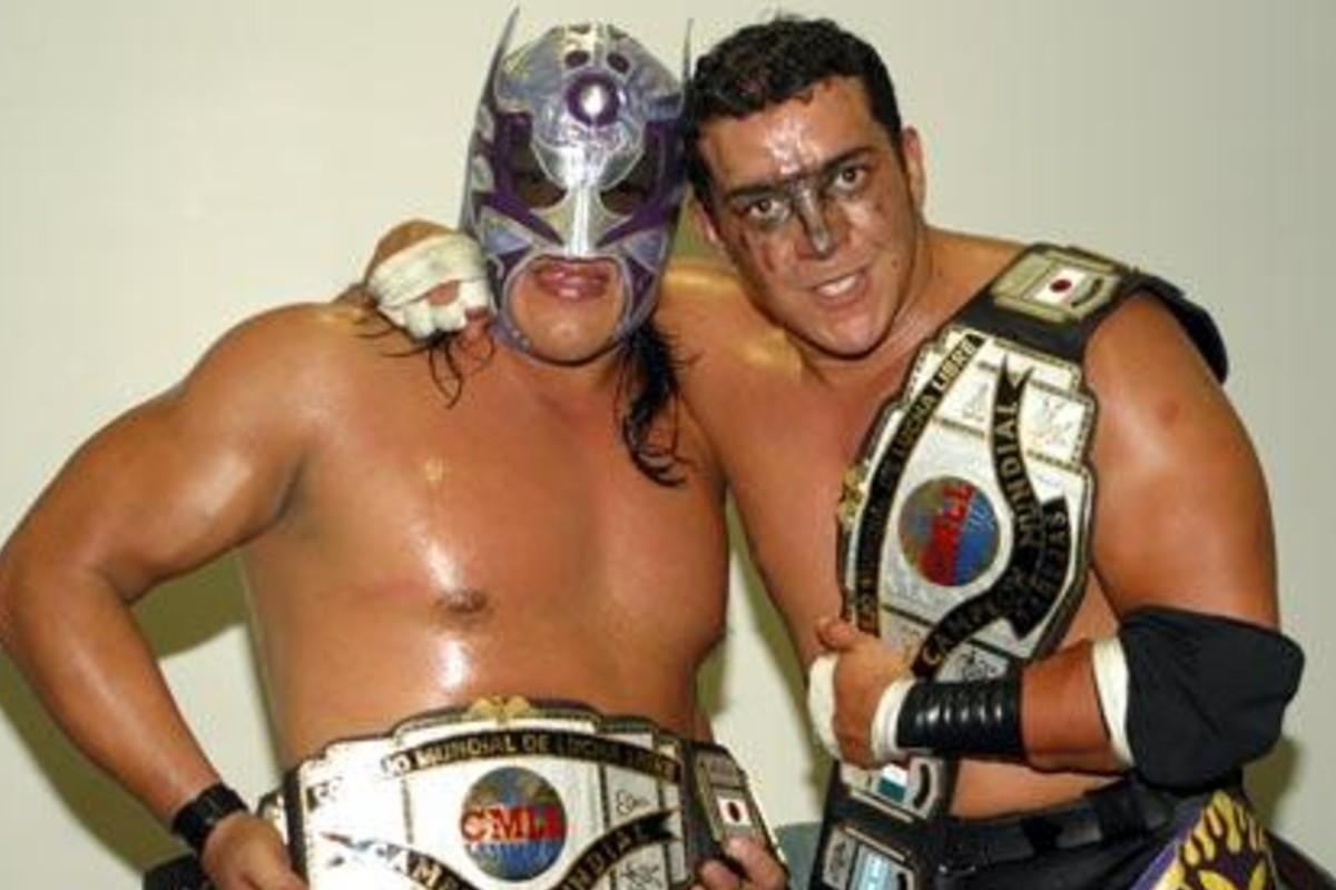 Rey Bucanero y Último Guerrero reviven alianza que los hizo campeones de parejas del CMLL