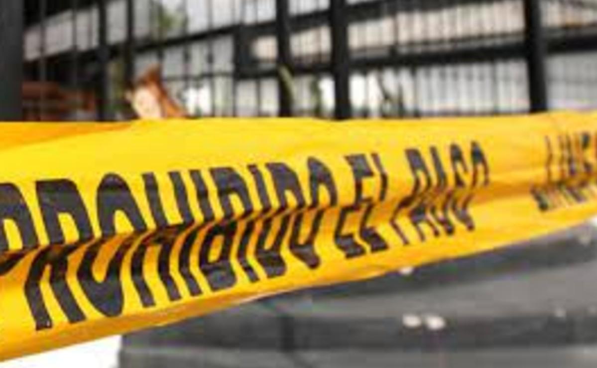 Taxista acelerado se mata al chocar su vehículo contra la base de un puente, en Morelos