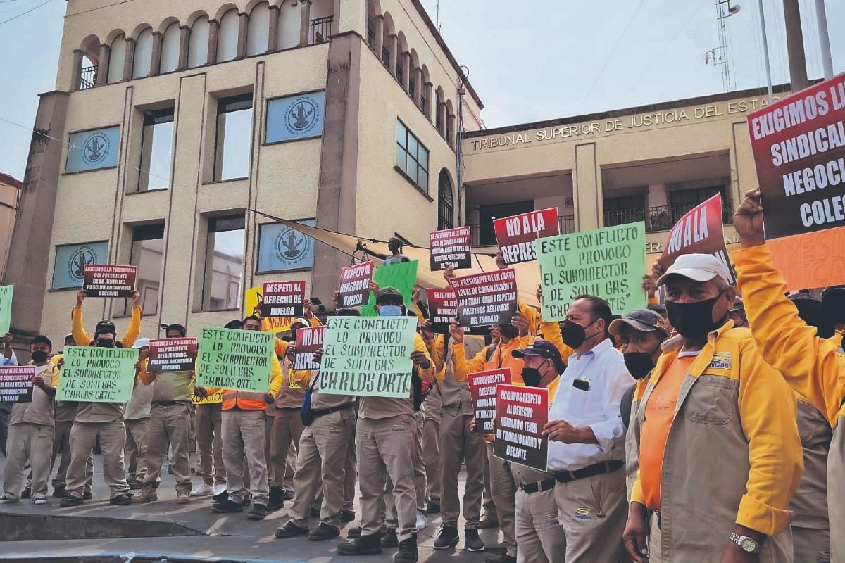 Acusan 142 trabajadores a gasera por despido injustificado, en Morelos