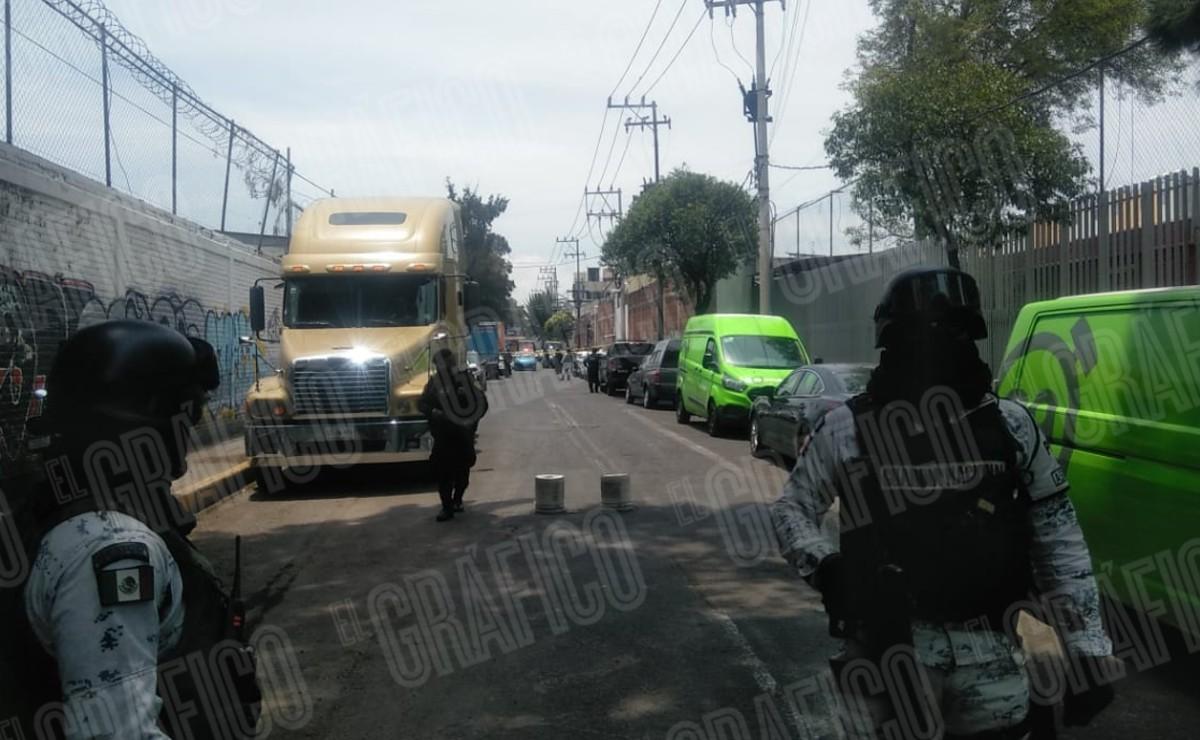 Asaltante termina asesinado y dos resultan heridos tras atacar a trabajadores en la CDMX
