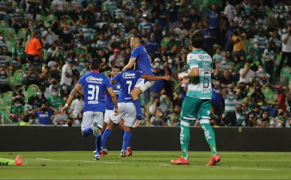 Cruz Azul derrota a Santos en su cancha y se acerca al ansiado título de campeón