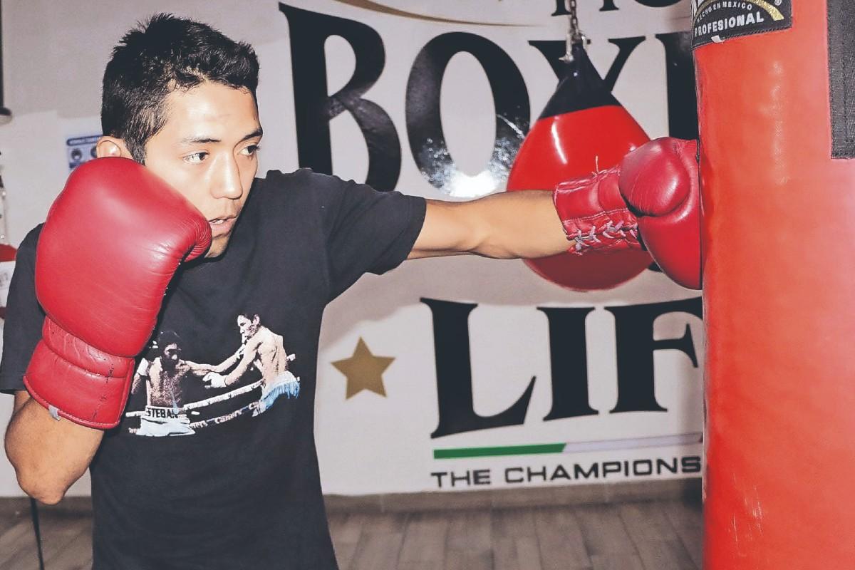 Boxeador de Nezahualcóyotl buscará aplastar a venezolano y ser campeón del minimosca
