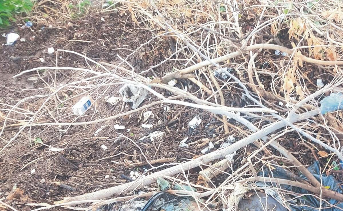 Canal de cultivos estaba tapado y al indagar vecinos hallan cuerpo de mujer, en Morelos