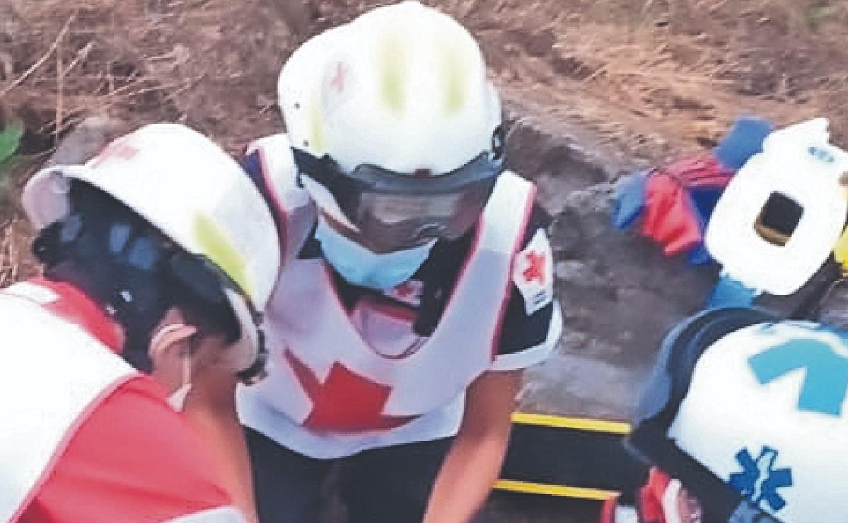 Policía de la CDMX muere tras volcar su coche en la autopista Cuernavaca-Taxco