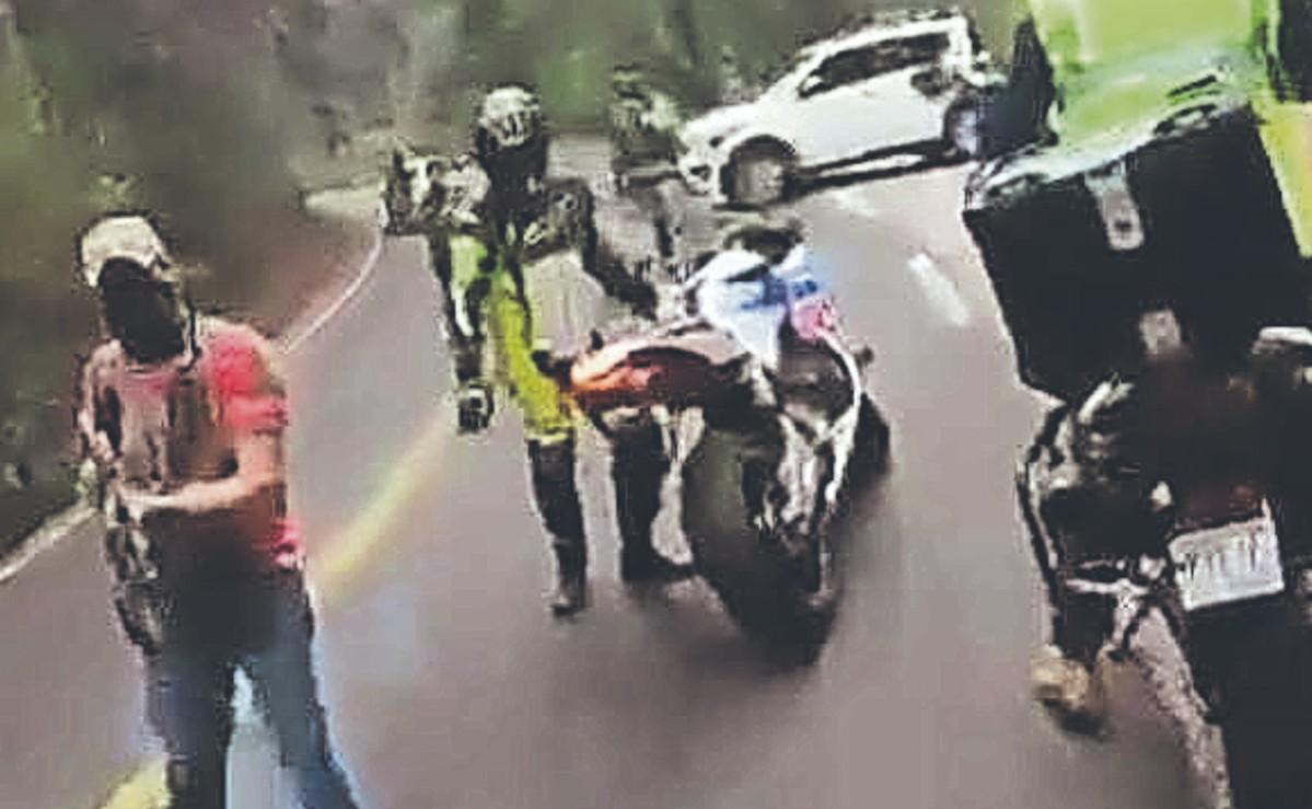 Sujetos con armas largas despojaron de sus vehículos a bikers de la CDMX, en Edomex