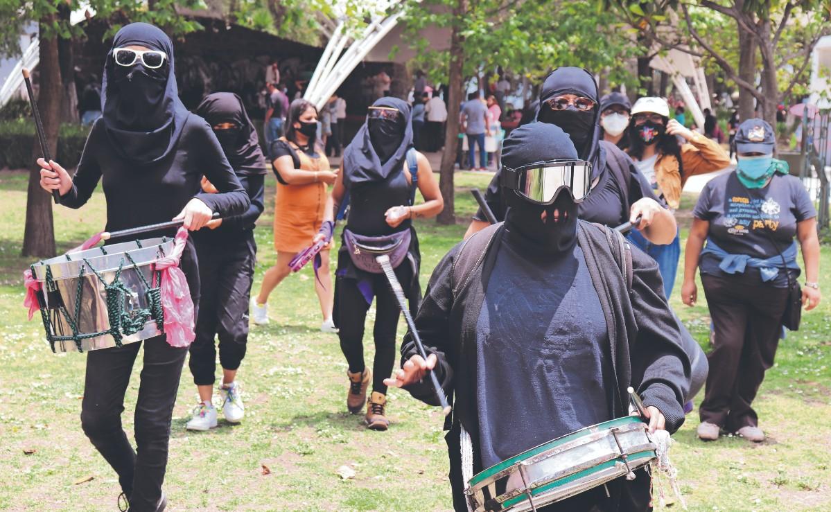 Feministas exigen implementar acciones para frenar la desaparición de mujeres, en Edomex