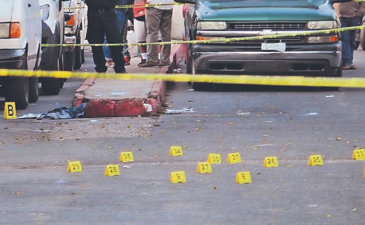 """Sicarios ejecutan de 34 balazos a """"El Chapo"""", en la entrada de un tianguis en Morelos"""
