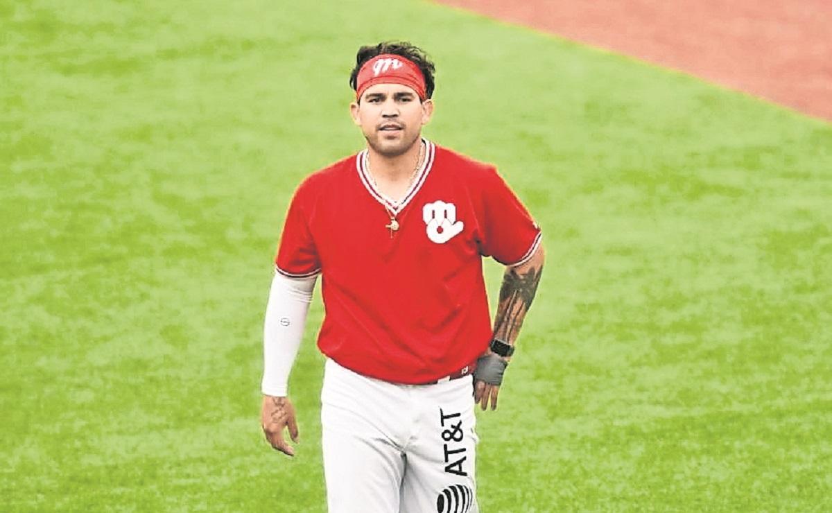 Armando Araiza dejó la receptoría para convertirse en pitcher de los Diablos Rojos