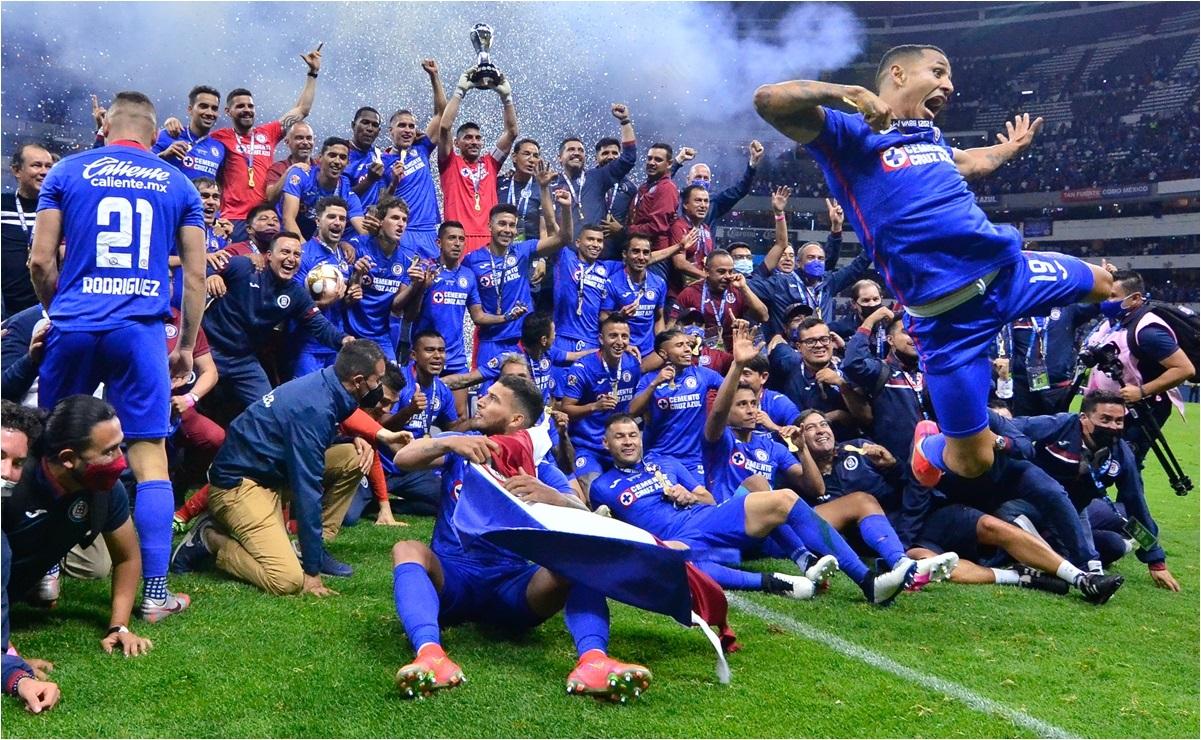 Cruz Azul recibe felicitación de la FIFA por su campeonato