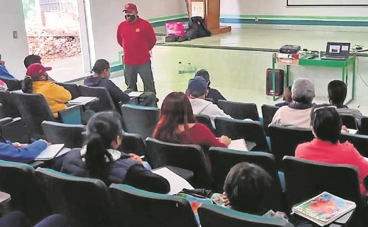 Recibe brigada 'Teporingos' curso básico del manejo sobre incendios forestales en Morelos