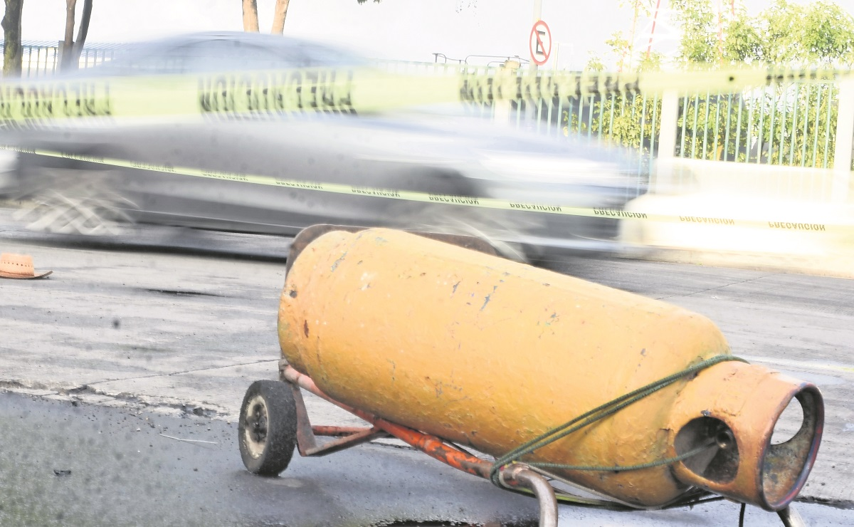 Adulto mayor muere tras ser atropellado cuando llevaba un tanque de gas en Azcapotzalco