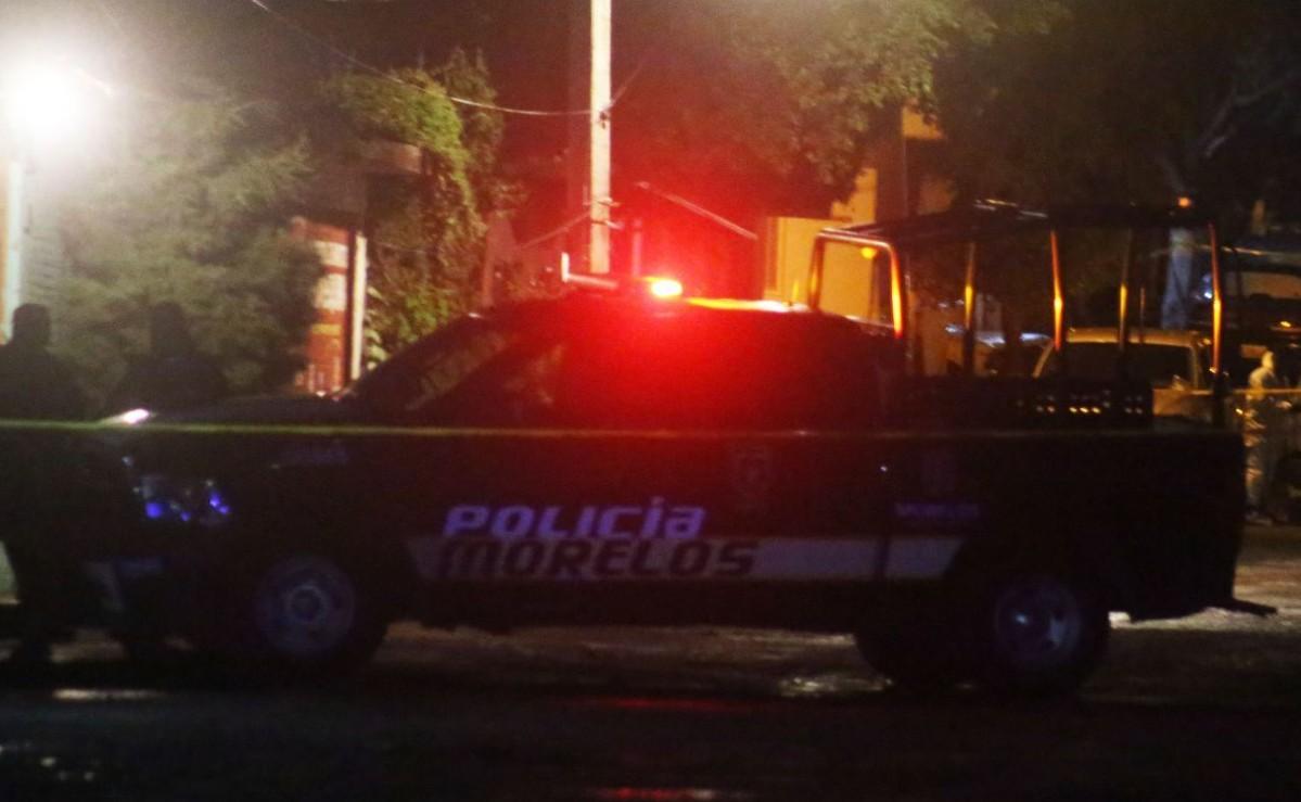 Joven visita por última vez a su novia en Morelos, fueron atacados a balazos y uno murió
