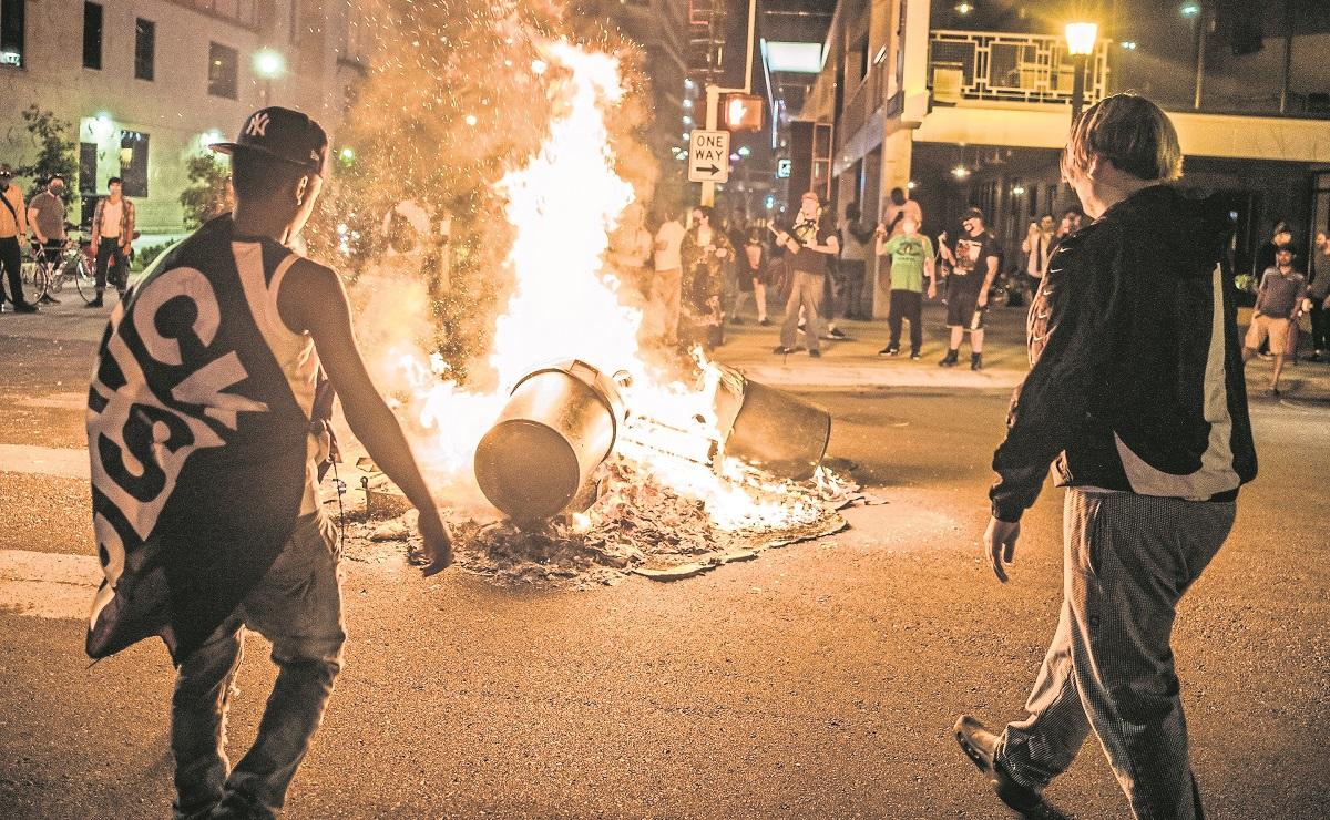 Policía asesina a afroamericano en Minneapolis y el caso desata protestas en EU
