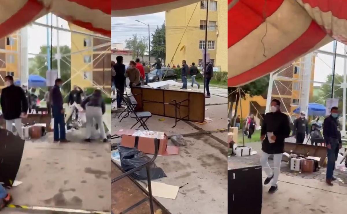 (VIDEO) Encapuchados destrozan casilla y dan golpiza a funcionarios y votantes en Edomex