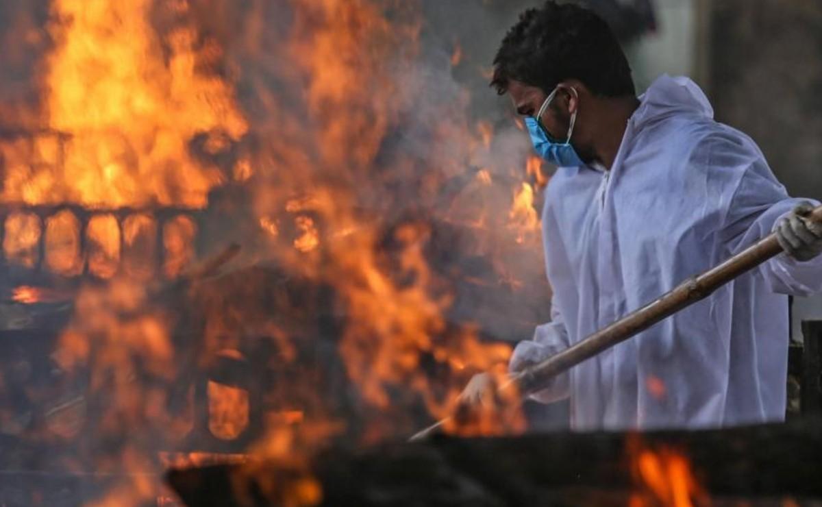 Muere Corona Warrior, ayudó a cremar a más de mil personas en la India y no recibió apoyo