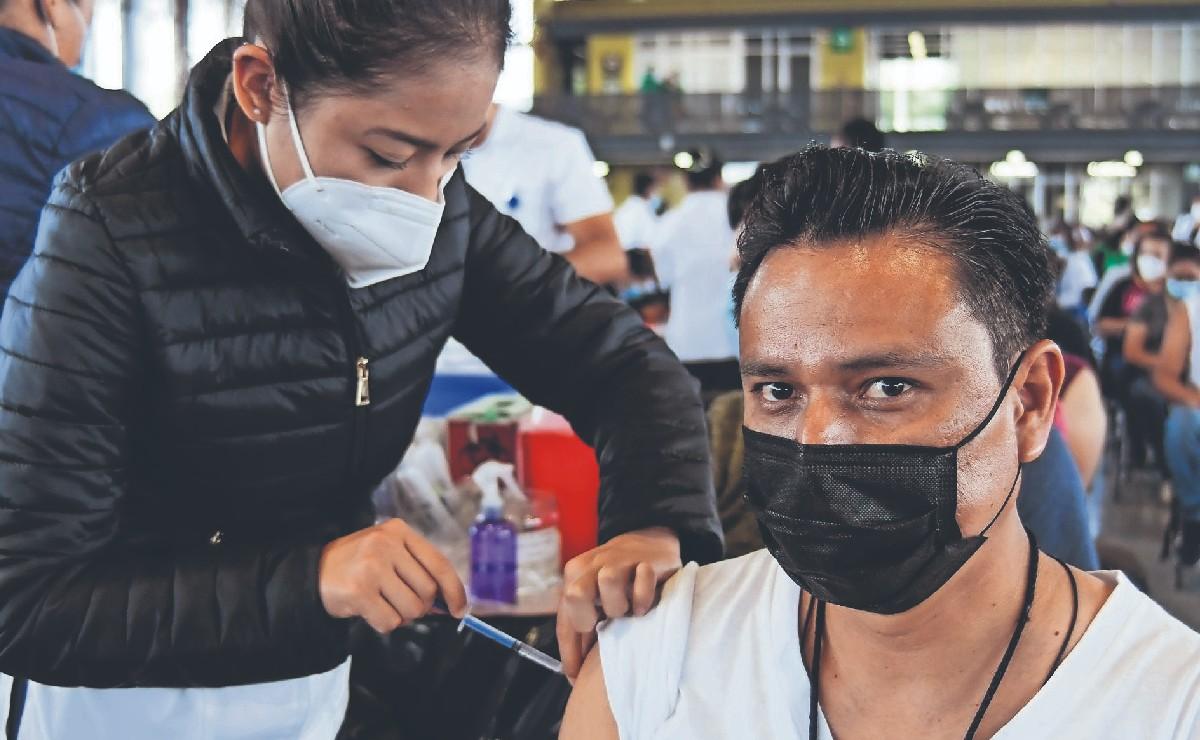 Anuncian la vacunación contra Covid para los jóvenes de 18 años en adelante, en México