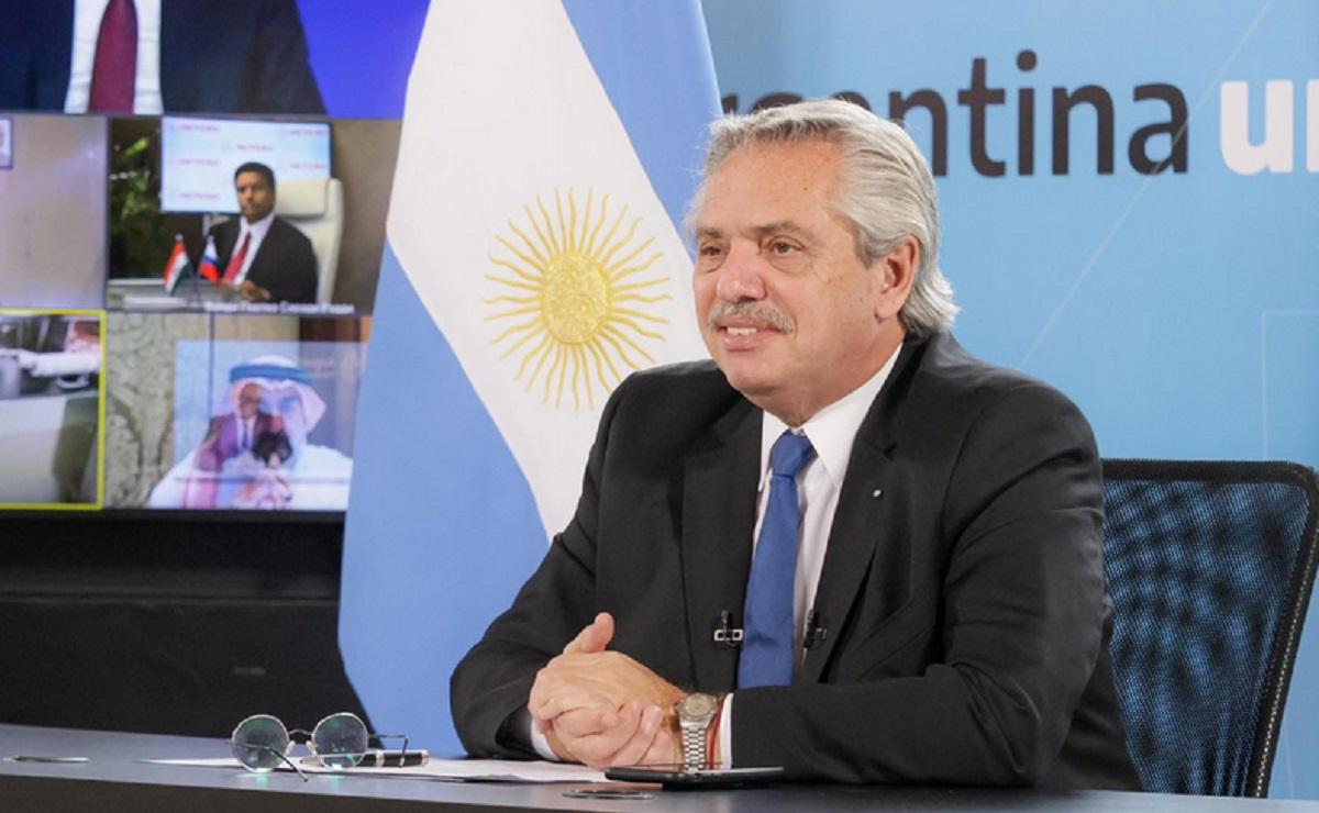 Cibernautas estallan contra Alberto Fernández tras declaraciones sobre México y Brasil