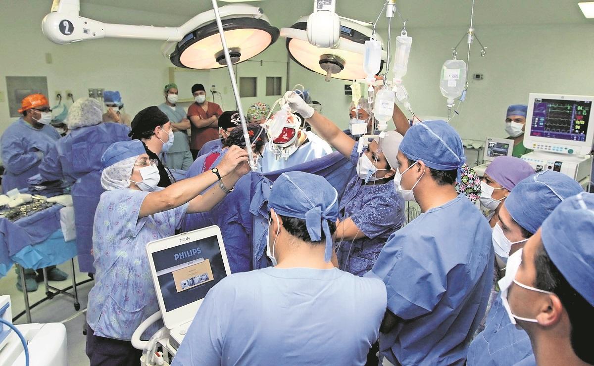 Italia realiza los primeros trasplantes de corazón en el mundo de muertos por Covid