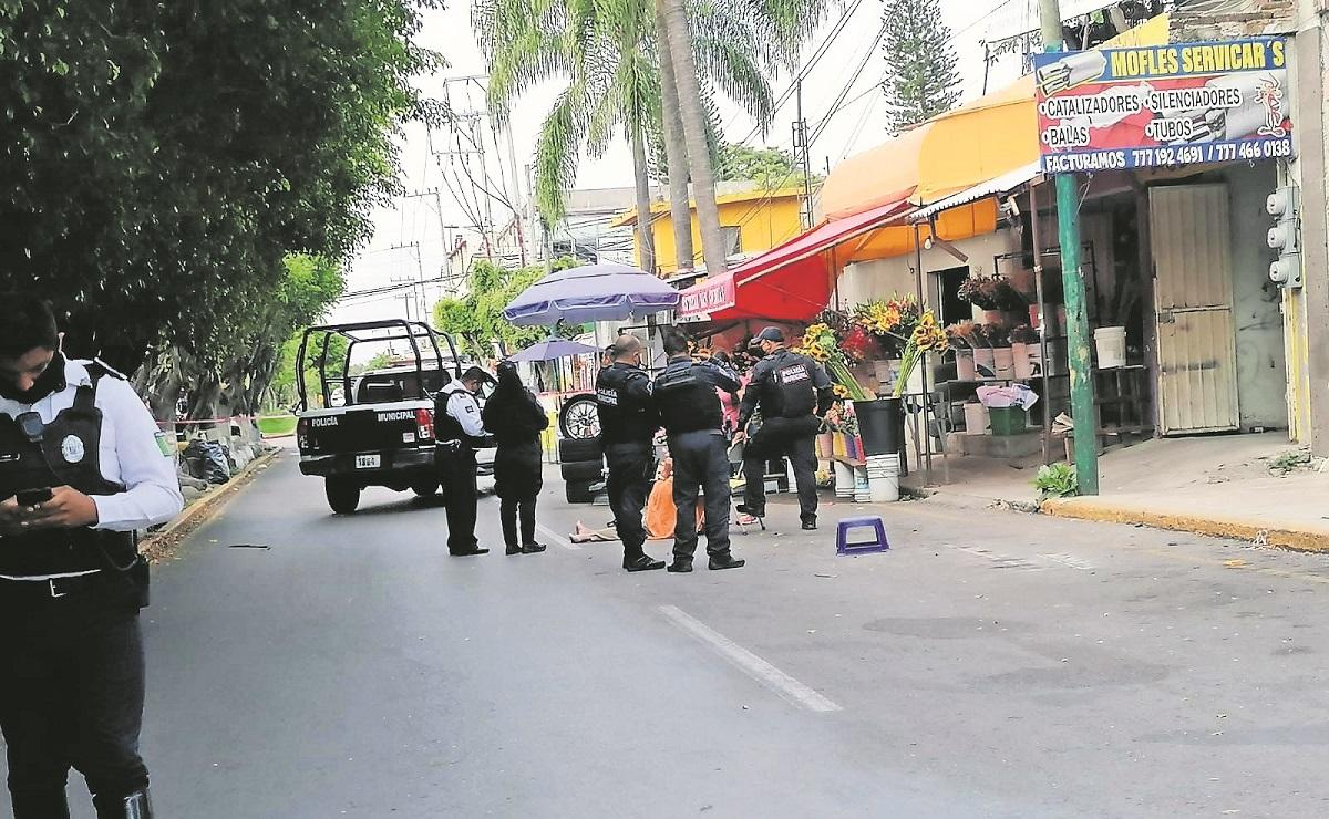 Roban camioneta a abuelito y lo balean en Morelos, salió a comprar unas flores