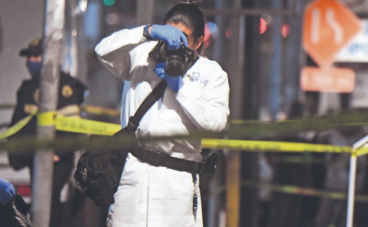 Revelan que bala perdida mató a mujer que ayudaba a su cuñado a lavar su auto, en CDMX