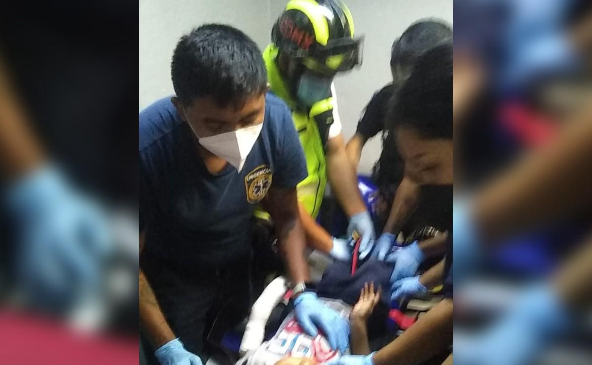Niño termina con la mano prensada en escaleras del Metro Polanco, iba con sus papás