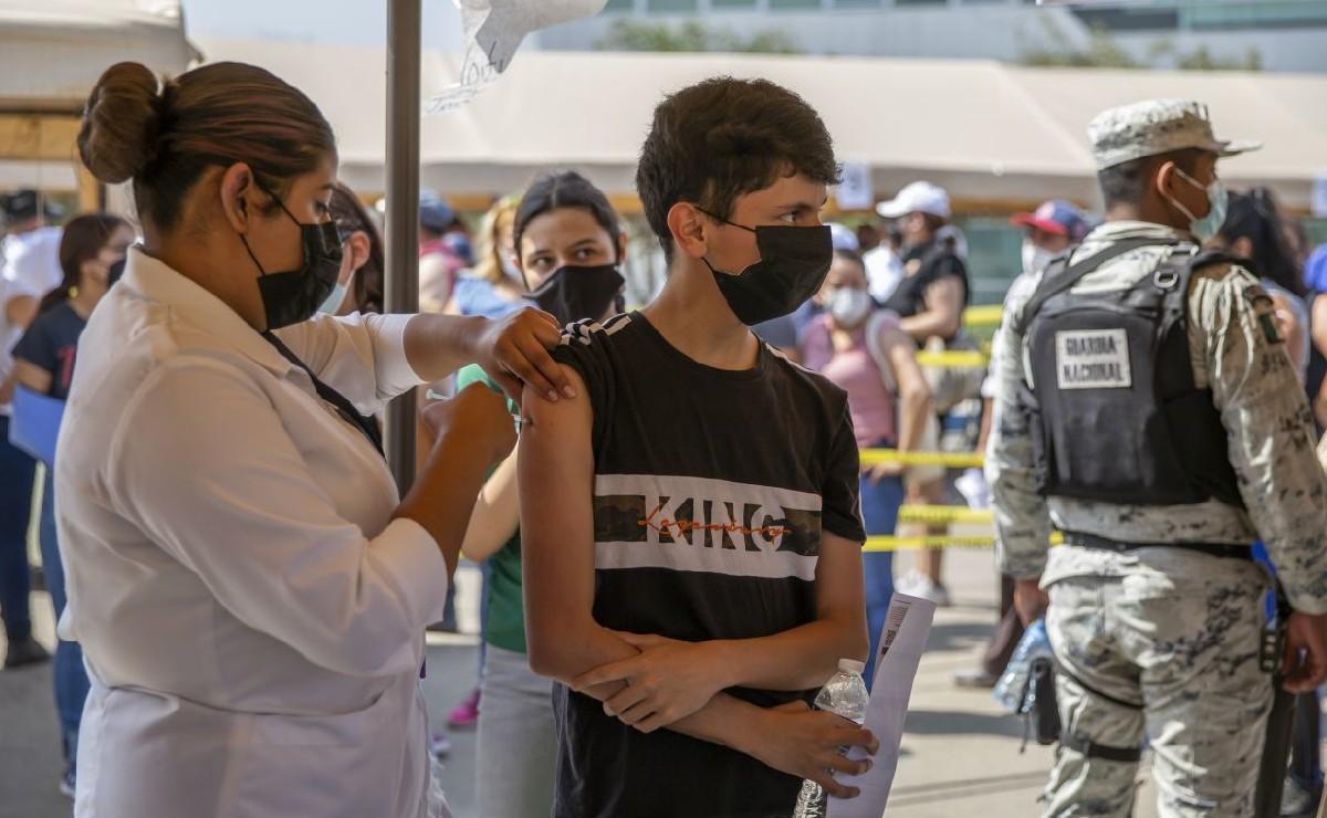Cofepris autoriza vacuna de Pfizer a menores de 12 años en adelante, la primera en México