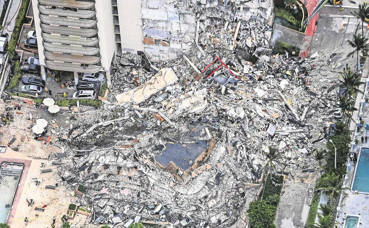 Al menos hay 99 desaparecidos tras derrumbe de edificio en Miami