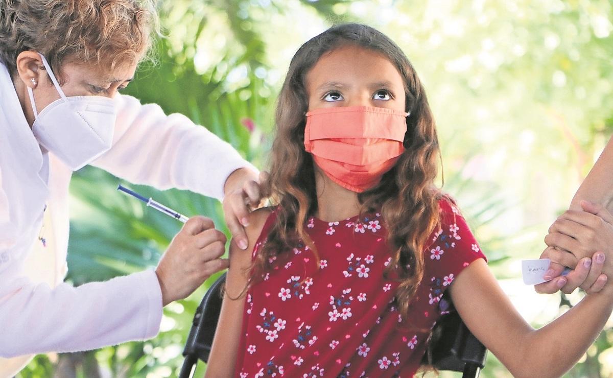 Cofepris aprueba vacuna contra Covid de Pfizer para menores de 12 a 17 años