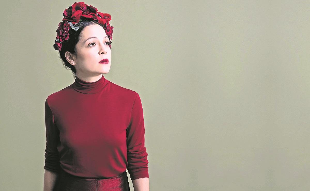 Natalia Lafourcade rescata música de sus padres, ama cantar boleros