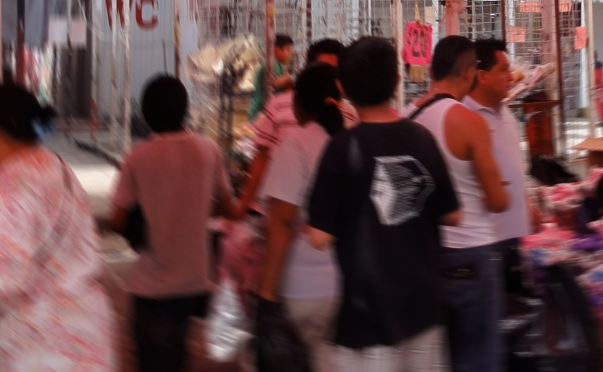Acribillan a tres hombres junto a un tianguis de Coacalco, uno de ellos falleció