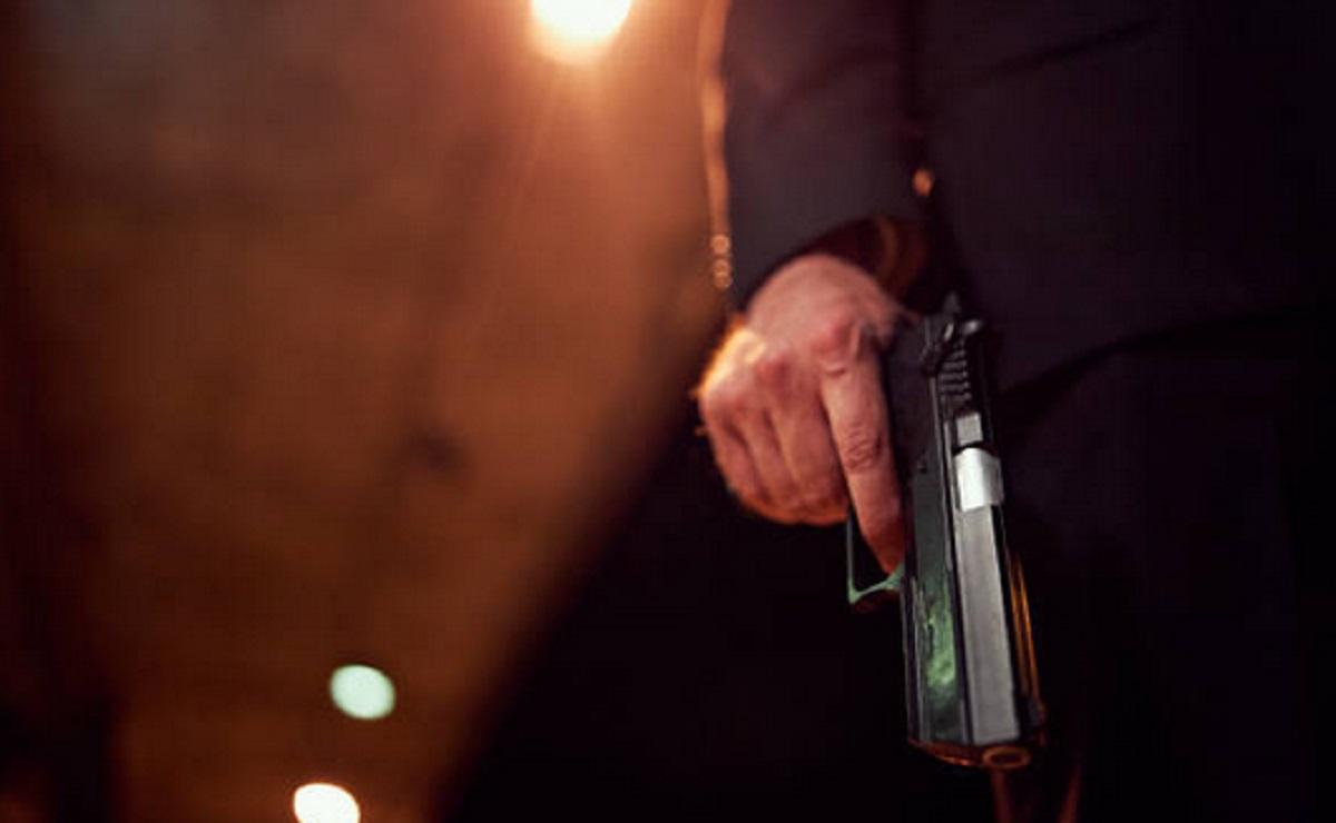 Sujeto dispara en dos ocasiones a su esposa y se da a la fuga en el Edomex
